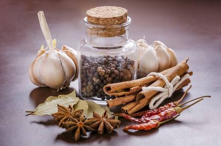 35591545-garlic-black-pepper-cinnamon-bay-leaf-dry-chilli-and-anise
