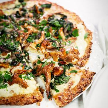 Blomkalspizza-med-kantareller-foto-sannalivijnwexell-Original-360x360