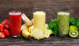 fresh-smoothies-glass-red-yellow-green-66284198